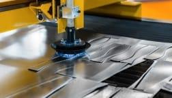 CNC-Laserschneiden erreicht hohe Geschwindigkeiten bei Dünnblech