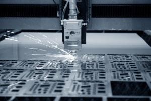 CNC-Laserschneiden von Blech mit modernster Technologie