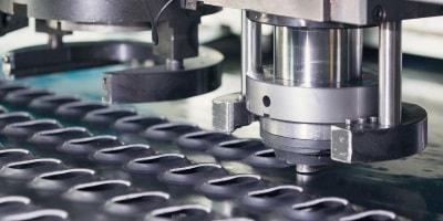 CNC-Stanzen mit modernster Technologie bei Ertl