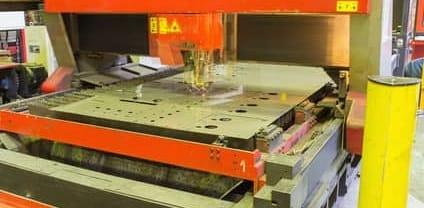 CNC-gesteuerte Anlagen zum CO2-Laserschneiden