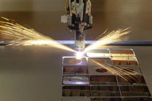 Was bedeutet CO2-Laserschneiden?