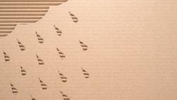 Mit dem Laser können feinste Konturen in Papier geschnitten werden