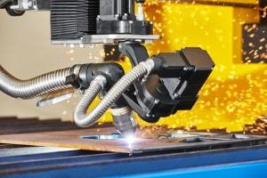 Laser-brennschneiden für die Stahlbearbeitung