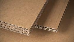Laserschneiden von Papier mit schmauchfreien Kanten