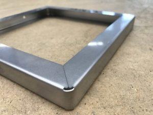 Stahlrahmen mit dem Laser geschnitten