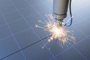 Thermisches Laserstrahl Separieren für eine verzugsfreie Laserbearbeitung