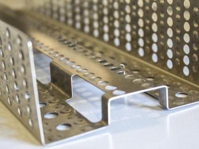 Abkanten von Blech bei Laslo GmbH