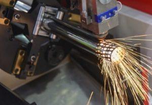 Spezielle Maschinen zum Laserschneiden von Rohren und Profilen