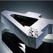 Metall-Laserbearbeitung auch dicker Materialstärken