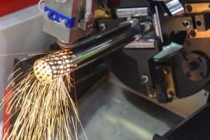 Laserschneiden von Rohren und Profilen