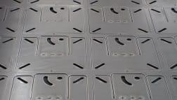 CNC-Laserstanzen in Blech mit feinen Konturen